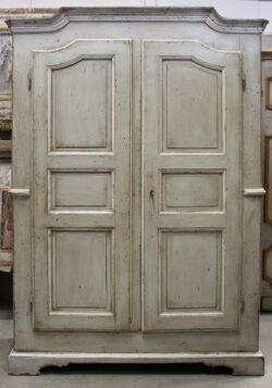 armadio antico provenzale